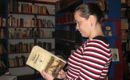 Slătinenii au donat 15.000 de cărţi (foto arhivă)